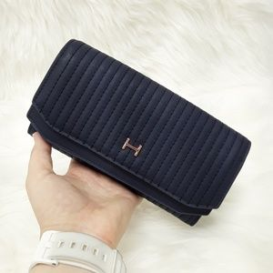 NWOT Halston Mallory Quilted Wallet in NAVY